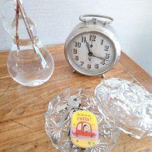 Bonbonnière, sucrier ou vide poche en verre taillé