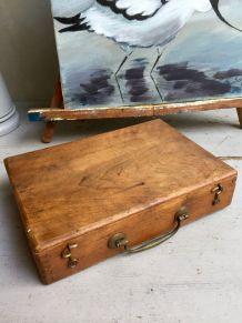 Ancienne boite de peinture
