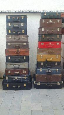 Valises vintage dans leur jus  35€ pièce