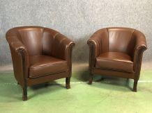 Paire de fauteuils club en cuir moderne