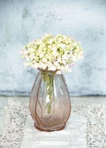 Petit vase en verre moulé rosé années 40/50