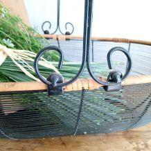 Magnifique panier ancien en fer et rotin