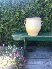 Ancien et grand pot en terre cuite