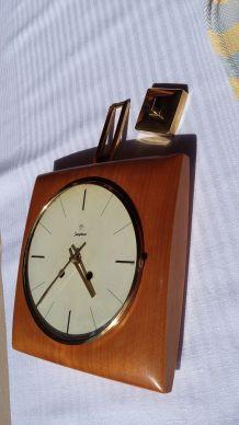 horloge en teck