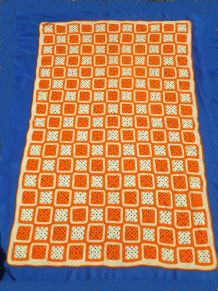dessus de lit  , plaid  ,  crochet  Ancien vintage