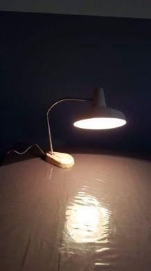 grande lampe de bureau vintage beige des années 50 articulée