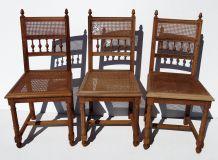 Suite de 3 chaises cannées