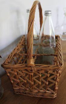 Panier porte bouteilles en rotin ancien, osier vintage