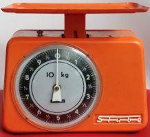 Balance de cuisine Stube orange des années 60