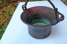 chaudron ancien en cuivre et fer FAIT MAIN - environ 1kg