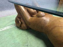 Table basse en bois exotique représentant une femme nue