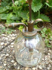 vaporisateur a piston ancien , vintage