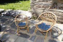 Deux fauteuils corbeille en osier (enfants)