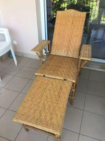 Chaise longue en rotin années 60