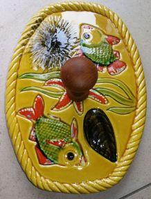 Ancien plateau à fromage céramique de Vallauris avec manche