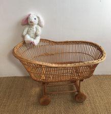 Berceau rotin pour poupées