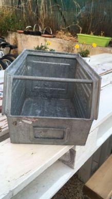 Boîte en fer SCHAFER