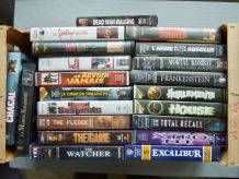 Lot de 21 cassettes video (VHS) - fantastiques (surtout)