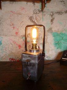 "LAMPE INDUSTRIELLE - VINTAGE - "" WONDER TIFON """