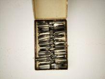 Boîte plumes métalliques baignol et farjon
