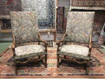 Paire de fauteuils os de mouton  en noyer - début XXème