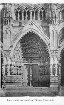 carte postale n et b portail cathédrale Amiens