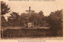 carte postale n et b Institution St Victor Valence vers 1945