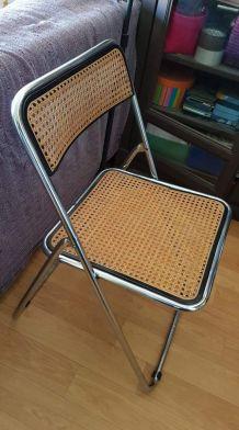 chaise pliable cannée  structure métal chromé style Castelli