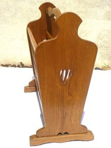 porte  revues  en bois massif , vintage