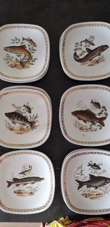 12 assiettes à poisson Longchamp