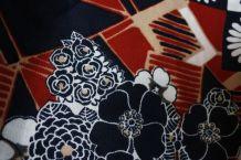 tissu d'habillement vintage à fleurs