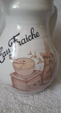 Authentique vintage pichet français avec réservoir à glaçons