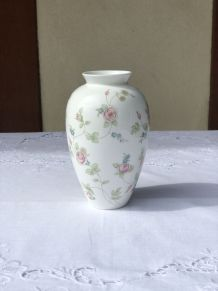 Vase Rosehip de Wedgwood