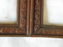 Paire de cadres anciens en bois sculpté 18.3cm x 24cm