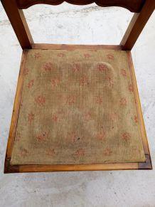 Chaise bois et tissu tapissier