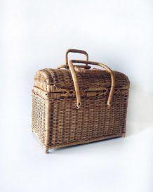 Panière rectangulaire de rangement ou décorative en rotin et