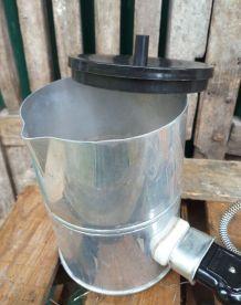 Ancienne bouilloire calors