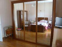 Grandes armoires , dressing avec miroirs
