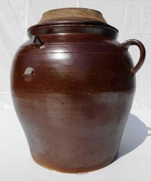 Très grande jarre saloir en grès marron
