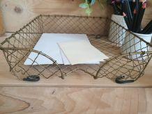 Corbeille, bannette,panier à courrier