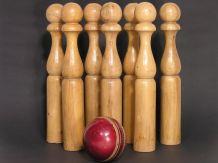 Jeu de Bowling Quilles en Bois / Balle de Cricket