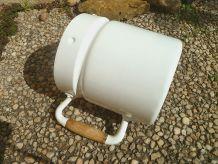 Pot a  lait Aluminium Ancien, peint