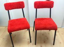 Paire de chaises moumoute rouge et pieds tubes noirs, vintag