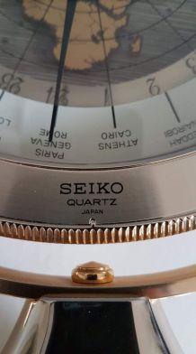 pendule Seïko mappemonde avec axe pivotant des années 80