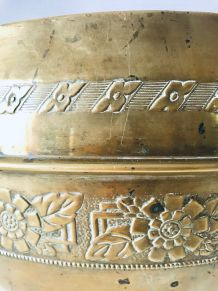Grand cache pot en laiton