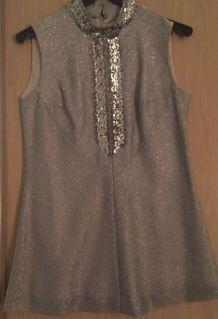Mini robe argentée 70's - col et plastron sequins