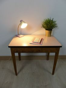 Bureau enfant ou table d'appoint