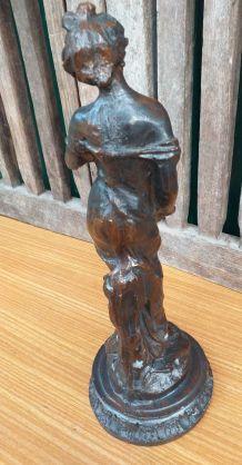 Statue en résine