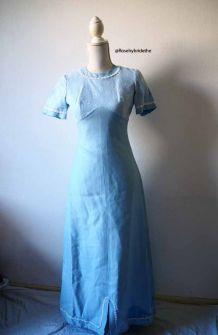 Longue robe hippie bleue ciel dentelle vintage 70's