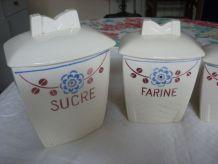 5 pots a epice demi porcelaine Badonviller